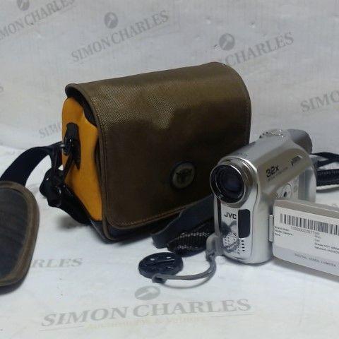 JVC GR-D340EK MINI DV DIGITAL CAMCORDER