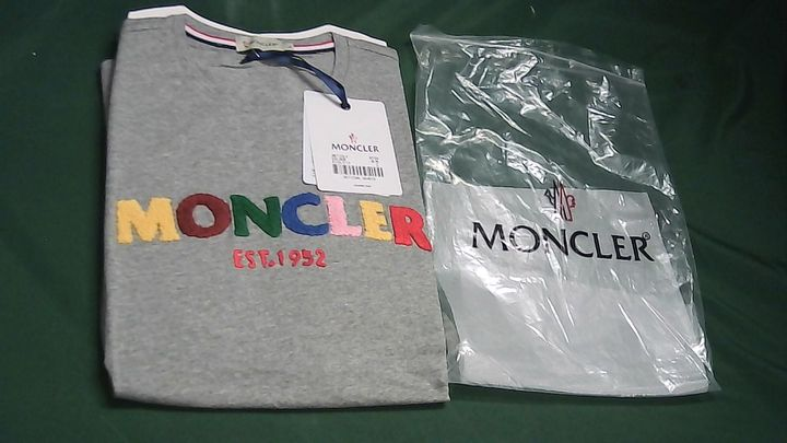 MONCLER GREY T-SHIRT LARGE