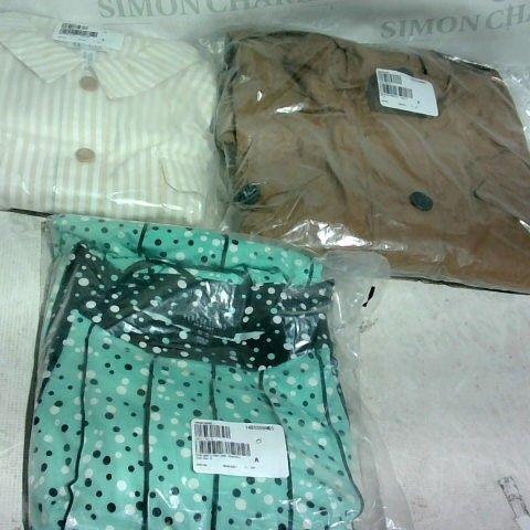 LOT OF APPROXIMATELY 7 CLOTHING ITEMS INCLUDING PETRA PARKA JACKET SIZE 16, MULTI PRINT DRESS SIZE 14 AND STRIPED JACKET SIZE 3XL