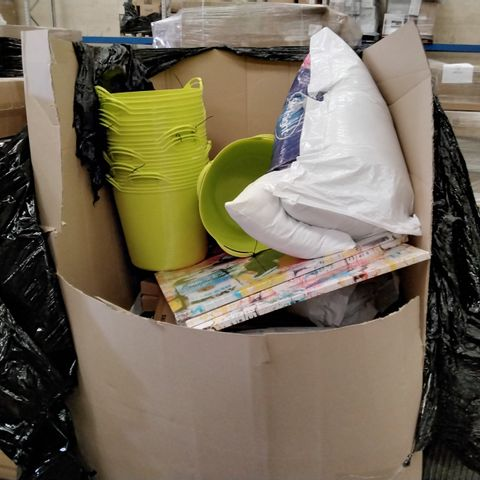 PALLET OF ASSORTED ITEMS INCLUDING PLASTIG TRUGS, UNFRAMED LARGE CANVAS PRINTS, PILLOW SETS, 2021 PLANNER BOOKS,