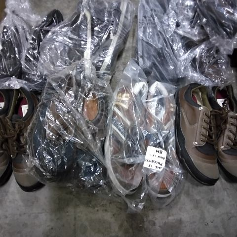 12 PAIRS OF MENS CASUAL SHOES