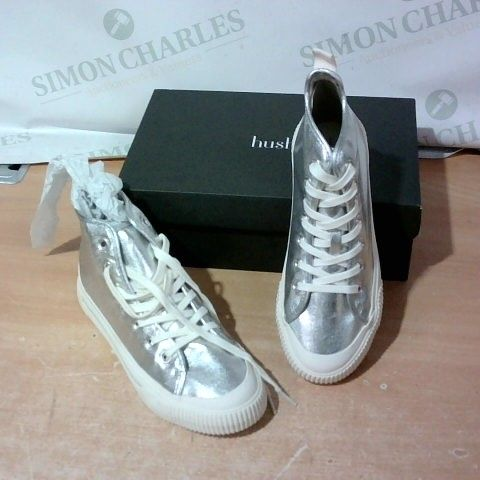 BOXED PAIR OF HUSH TRAINERS SIZE 39