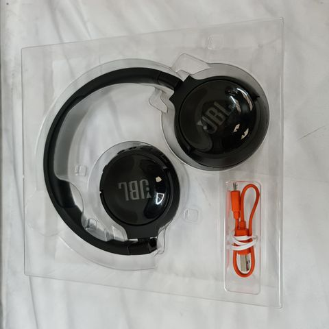 JBL TUNE 500 BT WIRELESS HEADPHONES