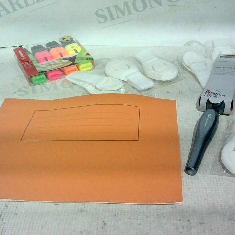 LOT OF APPROX. 15 ASSORTED ITEMS TO INCLUDE: HIGHLIGHTERS, SCHOOL NOTEBOOK PLAIN, DULUX ALL ROUNDER BRUSH