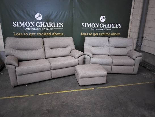 QUALITY G PLAN SEATTLE BAMBOO EARTH FABRIC LOUNGE SUITE, COMPRISING, FIXED THREE SEATER SOFA, FIXED 2.5 SEATER SOFA & STORAGE FOOTSTOOL
