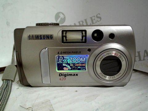 SAMSUNG DIGTAL CAMERA - DIGIMAX 420