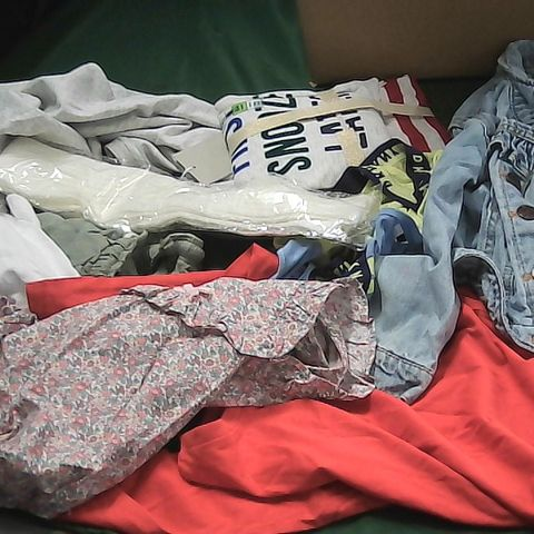 BOX OF ASSORTED GIRLS CLOTHING TO INCLUDE DRESSES, DENIM JACKET, SOCKS