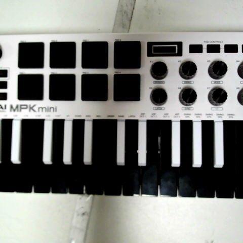 AKAI MPK MINI MIDI CONTROLLER