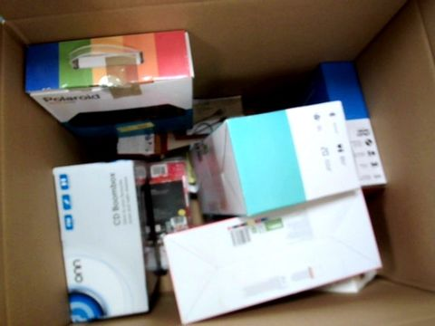 LOT OF APPROXIMATELY 10 ASSORTED ELECTRICAL ITEMS