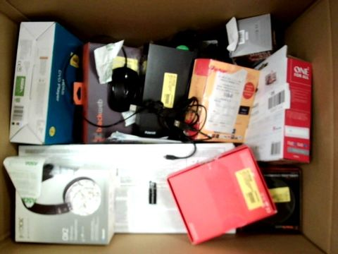 LOT OF APPROXIMATELY 15 ELECTRICAL ITEMS
