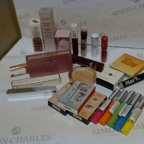 LOT OF APPROXIMATELY 20 ASSORTED COSMETIC ITEMS, TO INCLUDE NYX, BY TERRY, BENEFIT, ETC