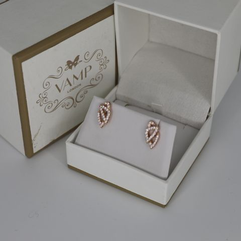 BRAND NEW BOXED VAMP LODON ROSE MASK STUD WITH CZ