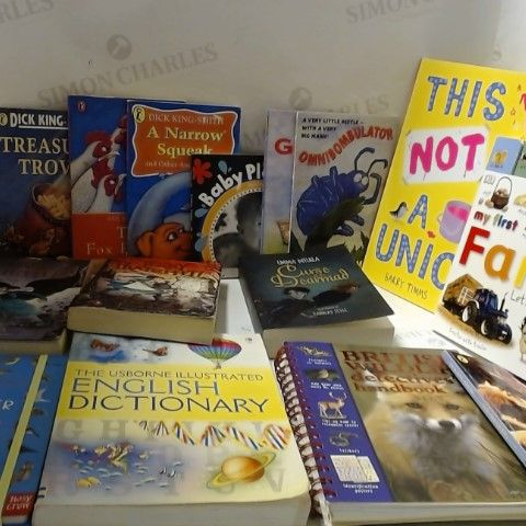 LOT OF APPROXIMATELY 30 ASSORTED CHILDRENS BOOKS ETC