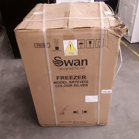 BOXED SWAN SR70181S FREEZER