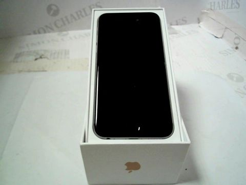 BOXED APPLE IPHONE 6 (A1586) SMARTPHONE - CAPACITY UNKNOWN
