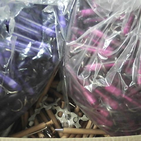 LARGE QUANTITY OF ASSORTED BALLPOINT PENS