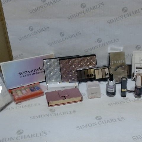 LOT OF APPROXIMATELY 15 ASSORTED COSMETIC ITEMS, TO INCLUDE ELIZABETH ARDEN, TECHNIC, PHOERA, ETC