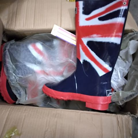 BOX OF APPROXIMATELY 7 ASSORTED UNION JACK WELLIES