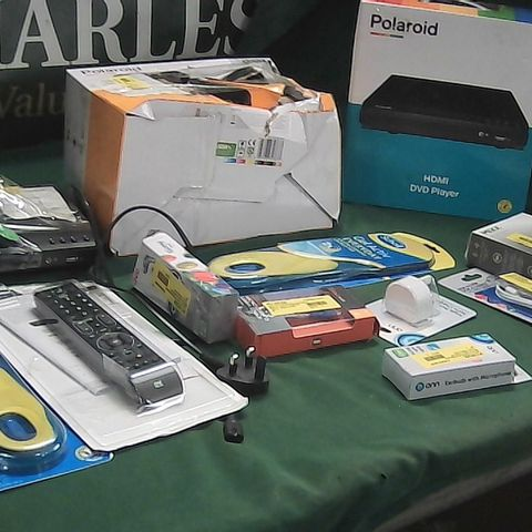 BOX OF ASSORTED HOMEWARE ITEMS TO INCLUDE POLAROID HDMI DVD PLAYER, SCHOLL GEL ACTIVE INSOLES, ONE FOR ALL TV REMOTE