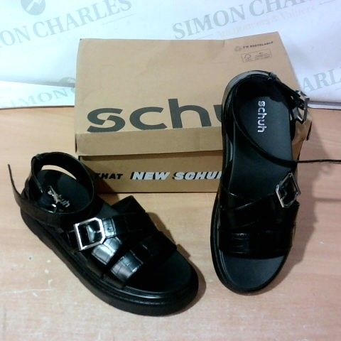 BOXED PAIR OF SCHUH SIZE 41