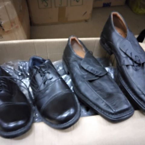 7 PAIRS OF ASSORTED MENS CASUAL SHOES