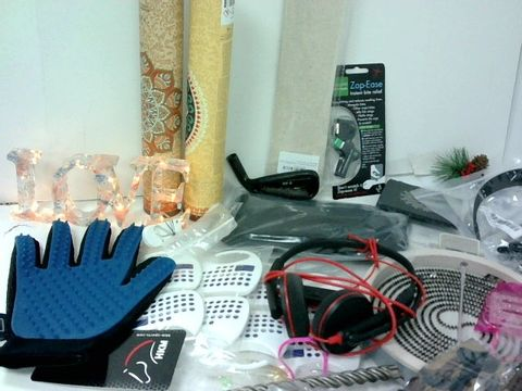 SMALL BOX OF ASSORTED HOMEWARE ITEMS TO INCLUDE LED LOVE SIGN, PLANTRONICS HEADSET, INCENSE STICKS