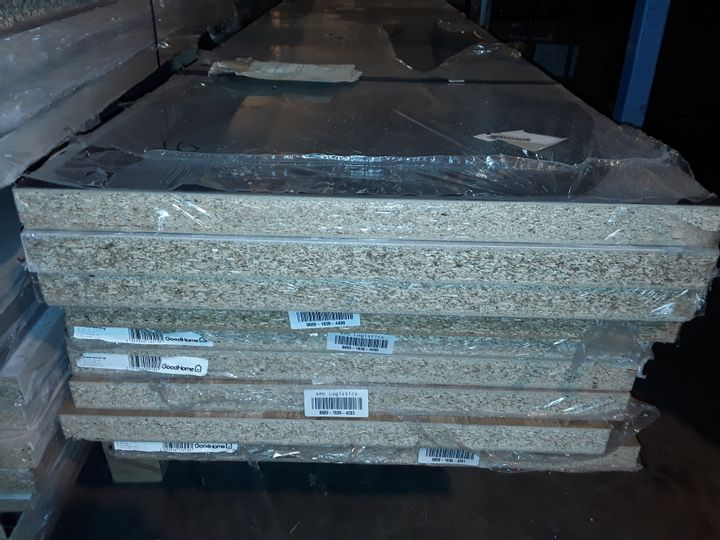 PALLET CONTAINING 9 ASSORTED LAMINATE KITCHEN WORKTOPS - ALL APPROXIMATELY 3000X620X38MM