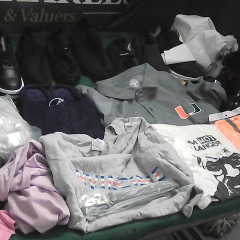 BOX OF ASSORTED CLOTHING ITEMS TO INCLUDE PUMA SHOES, SLIPPERS, BREAKING BAD T-SHIRT