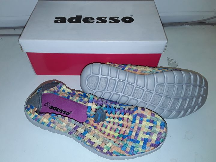 BOXED PAIR OF ADESSO TEXTILE SHOES IN MULTI - 39