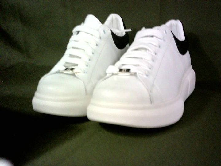 PAIR OF BRADIE WHITE LEATHER CHUNKY SOLE LACE UP TRAINERS - SIZE UNSPECIFIED