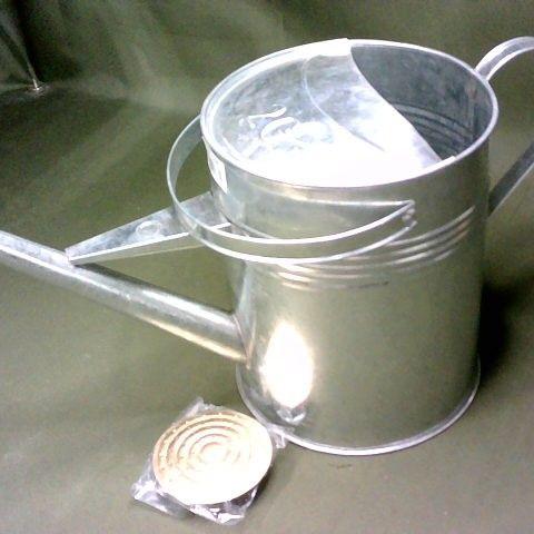 METAL 2G WATERING CAN