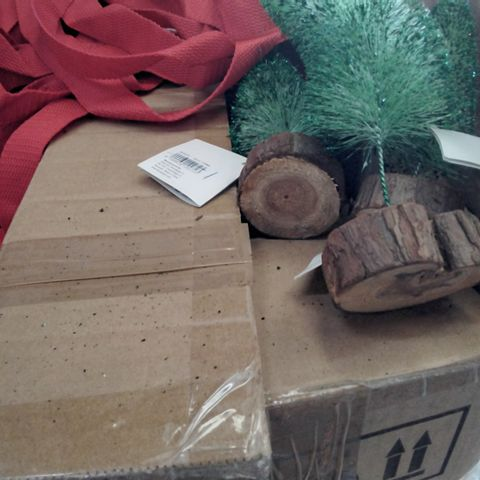 PALLET OF ASSORTED ITEMS TO INCLUDE A DECORATIVE TREE SET, METALLIC RED RIBBONS AND A BALLOON PUMP