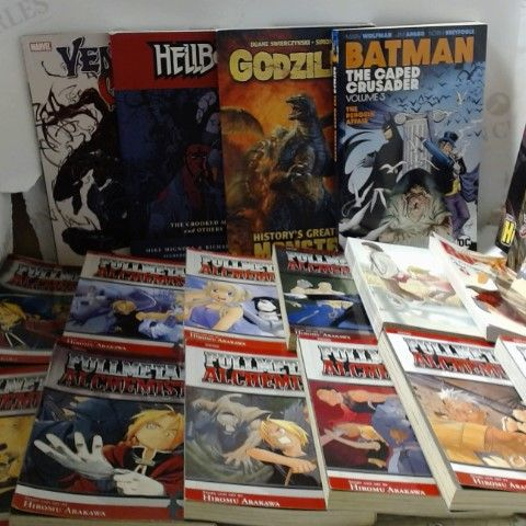 LOT OF APPROXIMATELY 19 ASSORTED GRAPHIC NOVELS ETC
