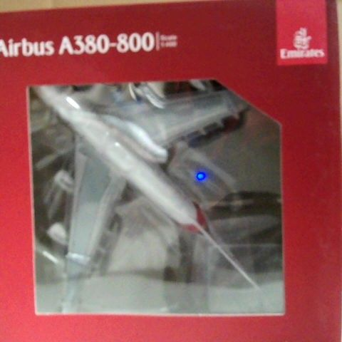 EMIRATES AIRBUS A380-800 AIRPLANE MODEL TOY