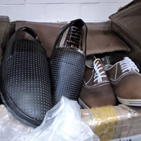BOX OF 12 ASSORTED PAIRS OF MENS CASUAL SHOES