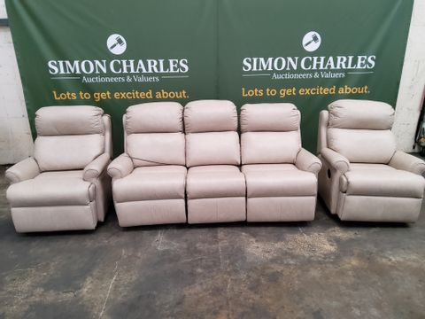 QUALITY G PLAN NEWBURY REGENT PLASTER LEATHER POWER RECLINING LOUNGE SUITE, COMPRISING PAIR EASY CHAIRS & THREE SEATER SOFA