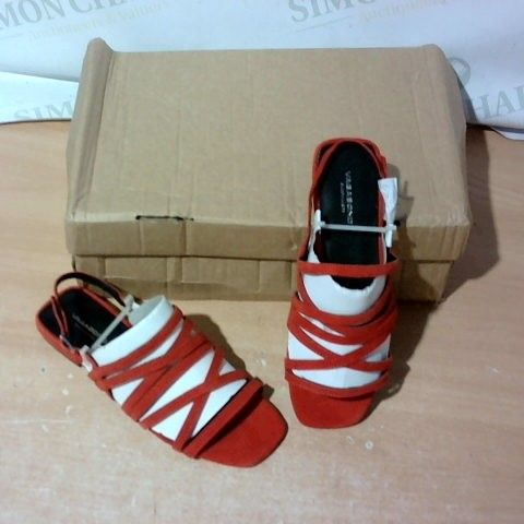 BOXED PAIR OF VAGABOND SIZE 36