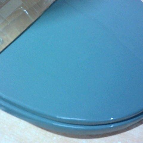 SOFT CLOSE ELONGATED STANDARD TOILET SEAT