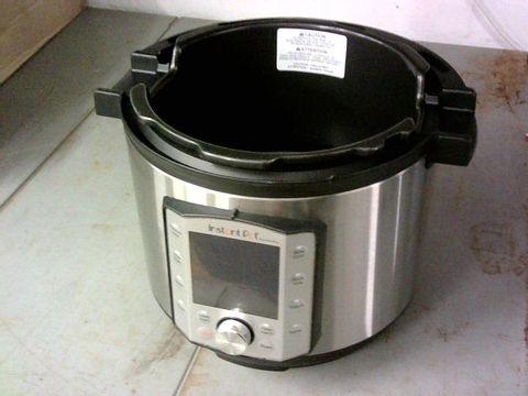 INSTANT POT DUO EVO PLUS 10-IN-1, 5.7L ELECTRIC PRESSURE COOKER