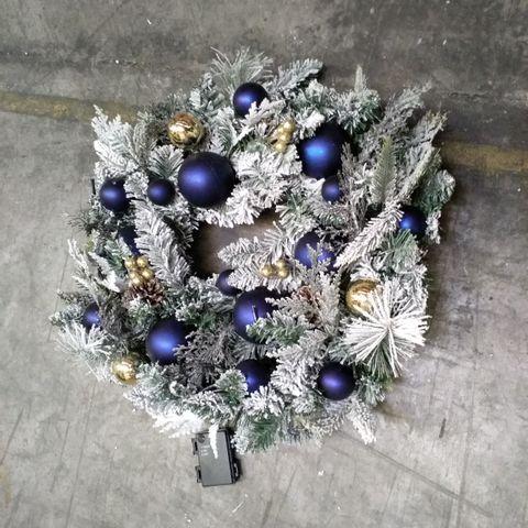 PRE-LIT CANDLELIGHT CHRISTMAS WREATH