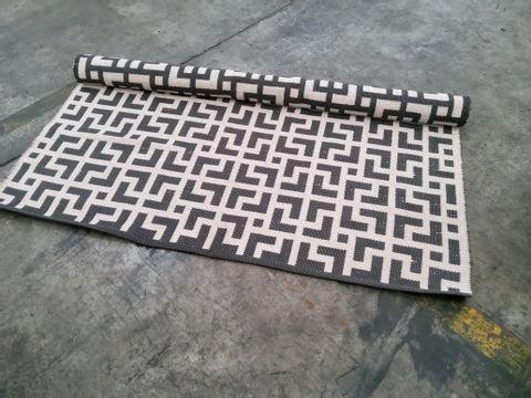 DESIGNER TEXTURED FLORAL GREY INDOOR/ OUTDOOR RUG 160 × 213