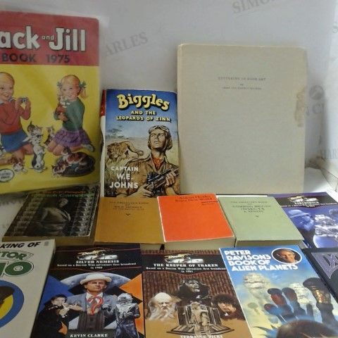 LOT OF ASSORTED COLLECTABLE BOOKS, PROGRAMMES AND MAGAZINES ETC