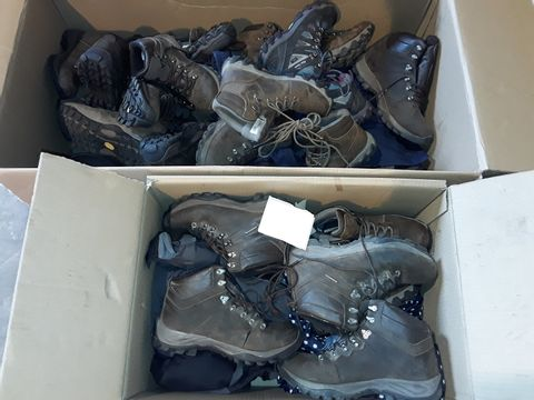 LARGE PALLET OF ASSORTED CAMPING CLOTHING ITEMS AND BOOTS MAINLY INCLUDES PETER STORM