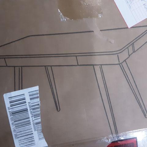 BOXED KOBLE SKALA DESK- WHITE & OAK