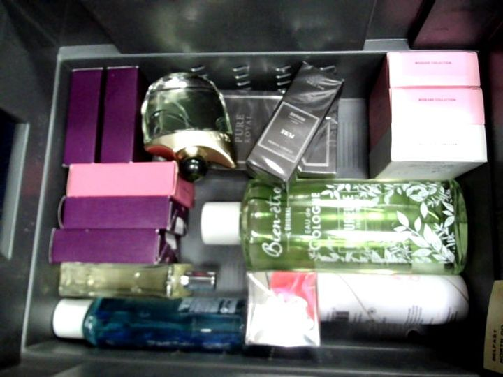 LOT OF APPROXIMATELY 22 ASSORTED FRAGRANCES TO INCLUDE: ZARA VIOLET BLOSSOM, FLOWER BY KENZO EDP, ZARA PINK FLAMBE, ETC
