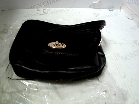 BOX OF APPROXIMATLEY 48 LEATHER EFFECT CROSS BODY BAGS