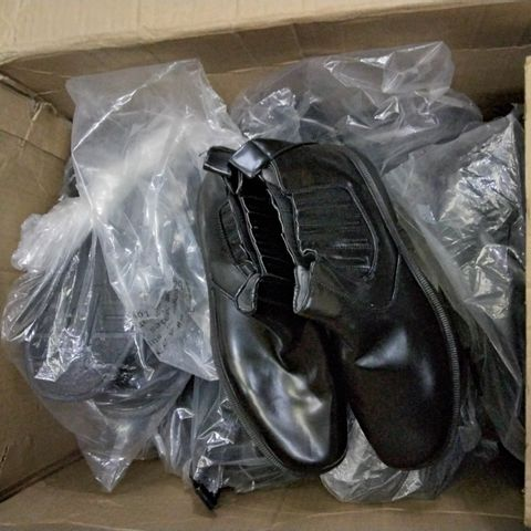 12 ASSORTED PAIRS OF HOFFMAN SHOES