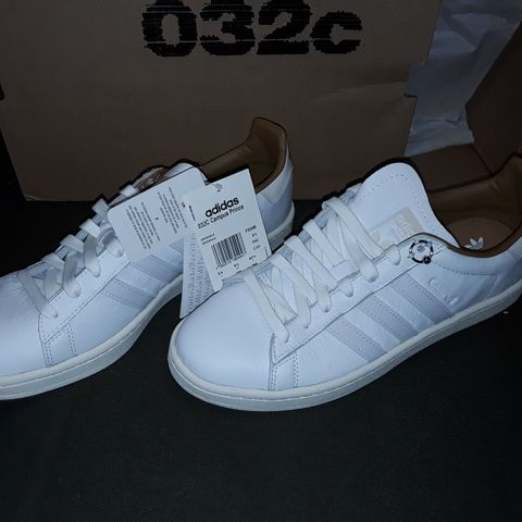 BOXED PAIR OF ADIDAS 032C CAMPUS PRINCE TRAINERS IN WHITE - UK8.5