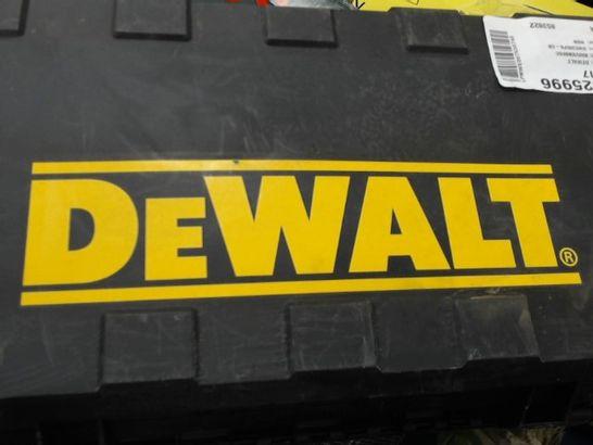DEWALT 1100W 230V SAW