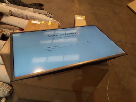 BOXED SAMSUNG UE32M5520AK FULL HD TV